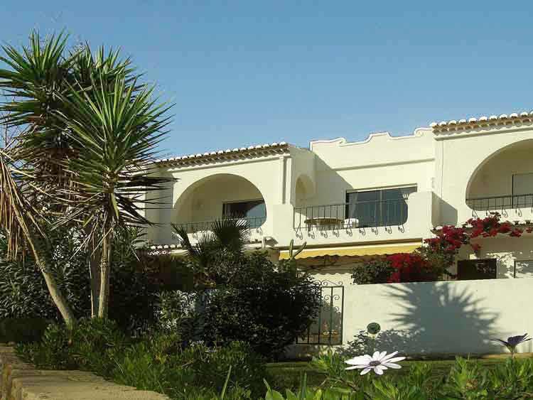 Casa CLD, Townhouse Apartment in Praia da Luz, Algarve, Portugal - Front Townhouse